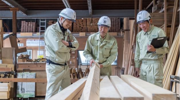 自社の木材加工場